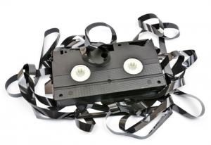defekte video kassetten reparieren so retten sie ihre vhs mediafix. Black Bedroom Furniture Sets. Home Design Ideas