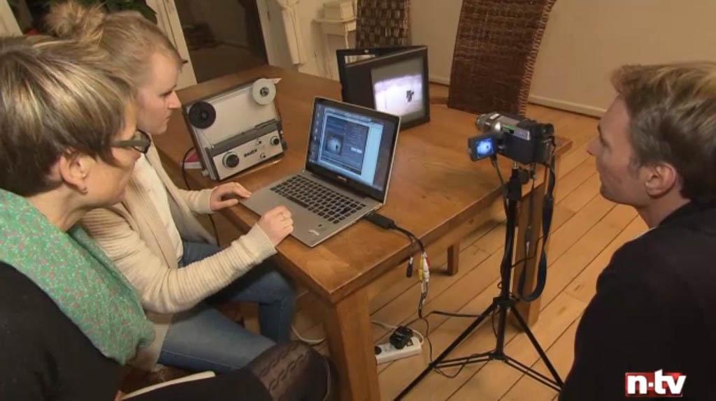 Szene aus dem NTV-Test: Das Bild wurde nur in Schwarz-Weiß übertragen.
