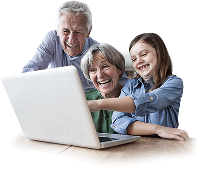 Großeltern und Enkel freuen sich über digitalisierte Hi8